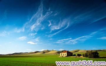 草原上的小白房